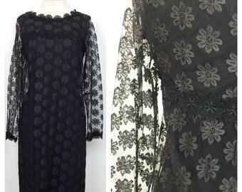 1960's Black Lace Shift Dress // Size Medium
