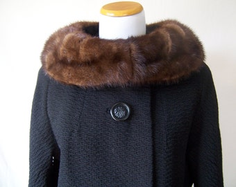 vintage 60s black textured wool long coat fur collar S/M