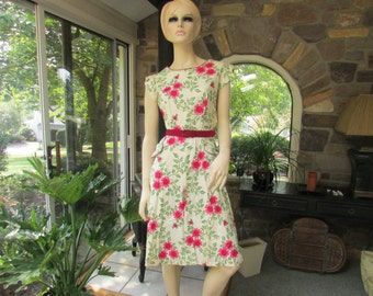 Vintage Rose and Green Flower Belted  Cotton Summer  Dress, Vintage Dress, Fifties Dress, 1950's Dress, Vintage Cotton Print Dress