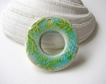 Sea Breeze Circle Pendant Stoneware Clay