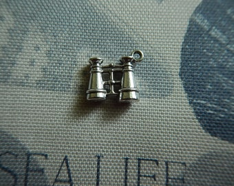 Antiqued Silver Plated Pewter Binoculars Charm Dimensional Scrapbooking Altered Art Collage