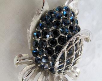 Blue rhinestone Lisner pineapple brooch / Vintage blue and silver brooch