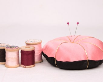vintage satin pin cushion // pink and black