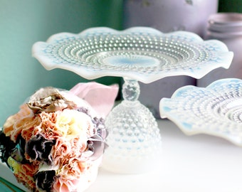 Hobnail Cake Stand / Milk Glass Cake Plate Pedestal / Cupcake Stand / Truffle Pedestal Dessert Pedestal