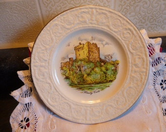 Carrigaline china made in County Cork, Ireland, Carrigcraft tourist plate of Blarney Castle.