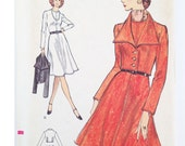 Vogue vintage pattern 8374, Very Easy Vogue, easy to sew dress pattern, 1972, Size 14