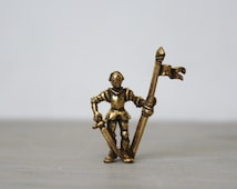 Vintage Brooch Pin - Knight in Shining Armor - Medieval Knight With Sword and Flag - Renaissance Jewelry