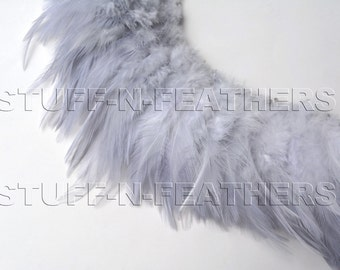 Wholesale / Bulk feathers – Light silver gray with a hint of lavender rooster saddles real feathers strung / 3-4in (7.5-10cm) long / FB169-3