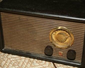 Vintage Black Bakelite, Model 84-HA-1527, Wards, Airline Radio, 5-Tube AM Radio Circa 1948, Not Working