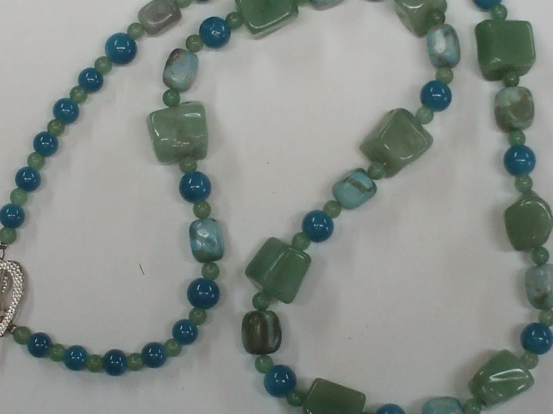 Green serpentine necklace set.  Green serpentin...