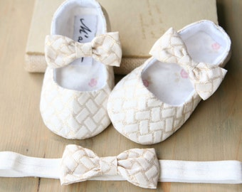 Ivory gold baby shoes and headband, gold baby girl shoes, wedding flower girl outfit