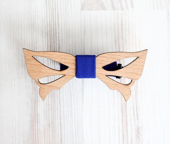 Wooden Butterfly necktie - Weddings Wooden bowtie - Wedding day keepsake gift for the groom