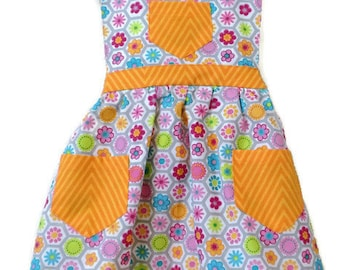 Flowered Apron, Children's Apron, Toddler apron, Girl Apron, Baking Apron, Cooking Apron, Kids Apron, Little Girls Apron, Retro Style Apron