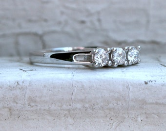 Sweet Vintage 18K White Gold Diamond Wedding Band.
