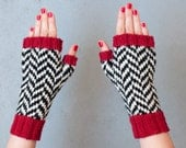 Black Lodge fingerless gloves, chevron pattern, handmade, women size M-L, mens size: M, twin peaks inspired, wool