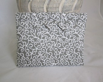 Spring-shut fabric makeup bag cream on taupe gray swirl lined padded RTS  padded bag exchange gift