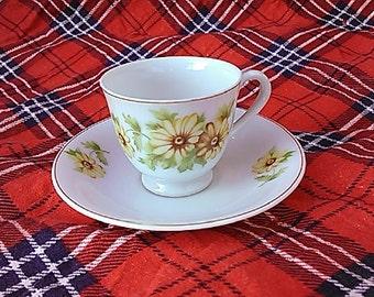 Nippon - Nihon Yoko Boeki Yellow Brown Daisy Tea Cup