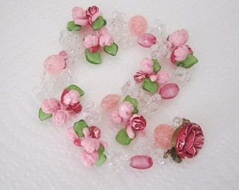 Vintage pink flower garland necklace. pink necklace. flower jewelry. floral necklace