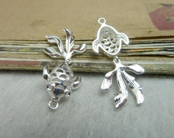 3 Carved Goldfish charm pendant shiny silver 15x31mm jewelry findings wholesale- W8064
