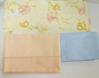 Vintage Twin Flat Sheet with BONUS 2 Pillow Cases, Yellow Peach Blue Green, Crafting Fabric, Floral Design, Cannon Percale, Bed Linens