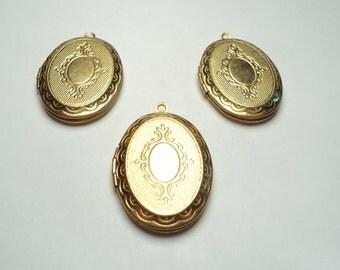 3 pcs - Ornate oval 29x22mm  Lockets - m223