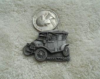 Vintage Pin-Old pewter Car-P4040