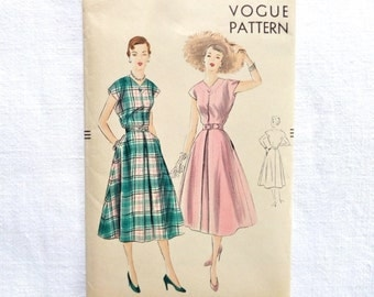 Vintage Vogue Dress Pattern 7066 Size 16 1950