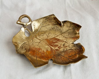 Vintage brass bowl…leaf-shaped brass bowl…fall bowl…leaf bowl…brass dish.