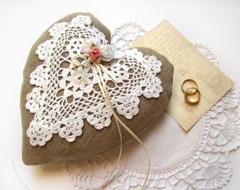 Rustic Burlap and Lace Ring Holder-Rustic Ring Bearer Pillow-Burlap Wedding Ring Pillow-Wedding Ceremony Accessory