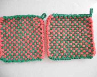 Loop potholders - 6 x 6 - Green and Salmon