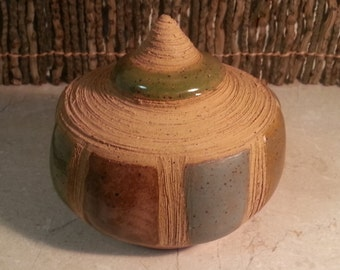 READY TO SHIP - Pottery Cremation Urn - Wheel Thrown Clay - Keepsake Cremains Jar For Family Member or Pet Ashes - Reef - Up to 25lb