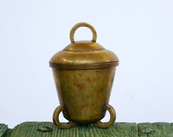 Vintage Indian brass pot with lid