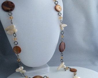 White Teeth Pearl & Brown Shell Necklace - Shell Jewelery, Mother of Pearl, Long Necklace, Link necklace, Beaded necklace