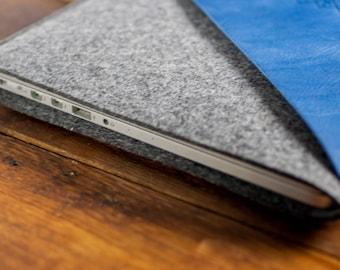 "Macbook Pro 13"" Sleeve, Macbook Pro 13 Case, Macbook Pro Pouch, Macbook Case, Mac Pro Sleeve : Dark Grey Wool Felt, Blue Leather Pocket"