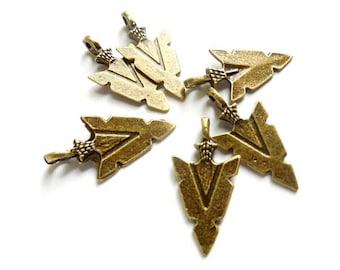 6 Antique Bronze Arrow Head Charms - 21-28-4