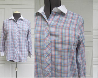 1970s womens blouse with white collar and white cuffs, vintage plaid cotton shirt