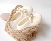 White felted Baby Booties in crochet jute bag Kids wool shoes Unisex baby booties Handmade gift for Newborn Christening boots-4 US