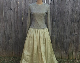 Vintage 100% Silk Ball Gown// Jeet// 6// Womens// Pear// Beaded