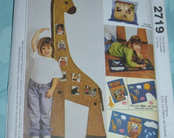 McCalls 2719 Noahs Ark Sewing Pattern - Growth Chart - PIllow and Book with Photo Pockets - UNCUT