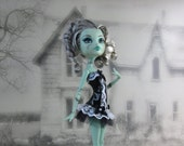 Gothic burlesque black and white corset hand made fits Monster High doll