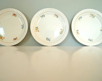 Vintage Figgjo Plates Set of Three -  Floral pattern golden rim 1960s Norway