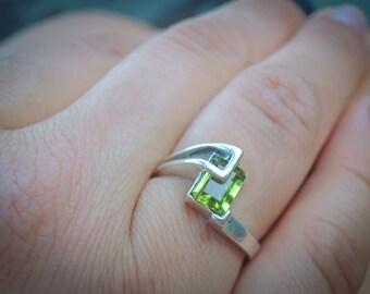 Natural Peridot Ring , Arizona Peridot Ring , Silver Peridot Ring , Green Gemstone Ring , Gift For Her