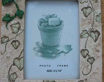 "Resin 3D Ivy Picture Frame-3 1/2"" x 5"" size photos"