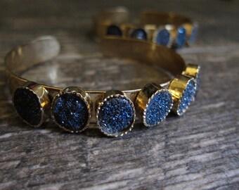 Druzy,Druzy Bracelet,Druzy Bracelet Gold,Druzy Braclet,Geode Bracelet,Geode Braclet,Geode Bracelet,Blue,Druzy Jewelry,Geode Jewelry,Cuff