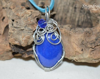 Deep blue wire wrapped cabochon