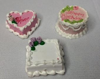 "Dollhouse Miniature Cakes 1"" Scale  (RG)"