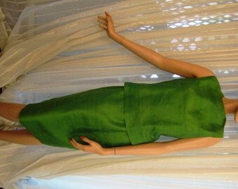Vintage Apple Green Raw Silk Ensemble, Top and Skirt, ca 1960s