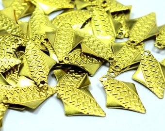 75 Pieces Raw Brass 12x17 mm Arrow Findings