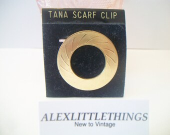 Vintage West Germany Tana Scarf Clip Round Gold Tone Ribbed Swirl Design