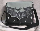 Night Hunter Bat Messenger Bag - gray/black
